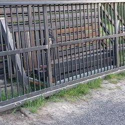 Zasuwana brama ze stali 2